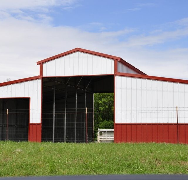 Vertical Roof Barn With Lean-to